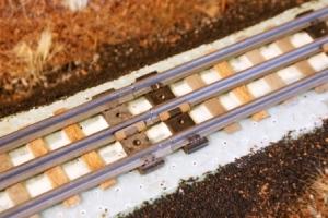 Glue track