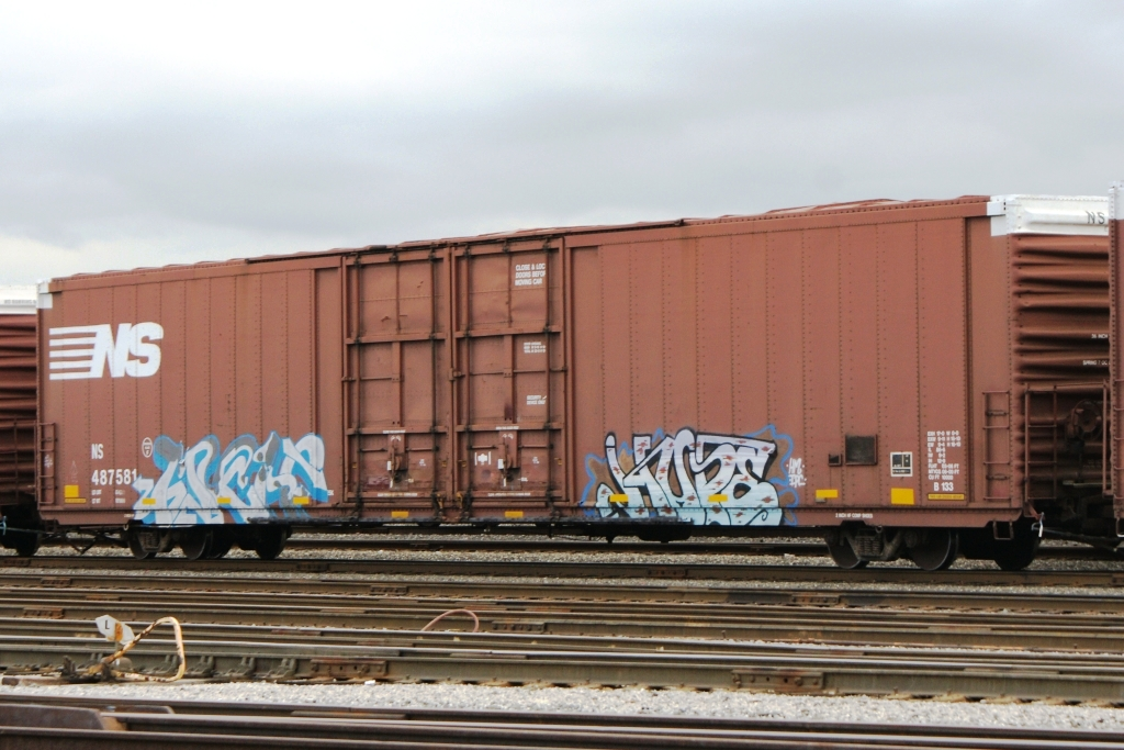 Freight Car Friday – Auto Parts Cars   Lionel Trains