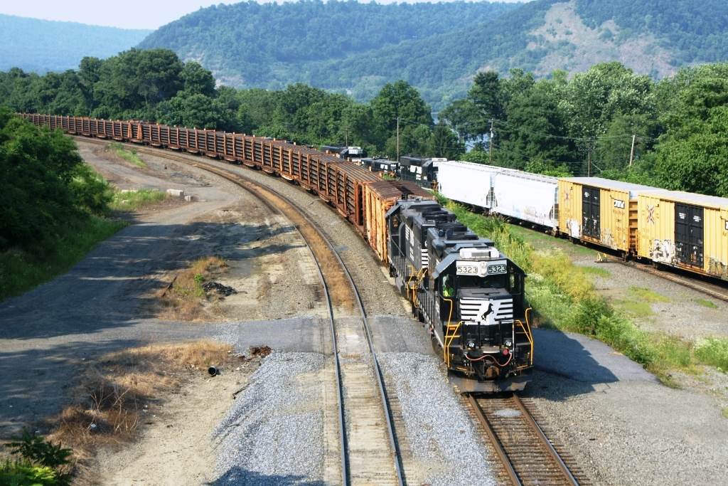 Freight Car Friday – Transporting Track | Lionel Trains